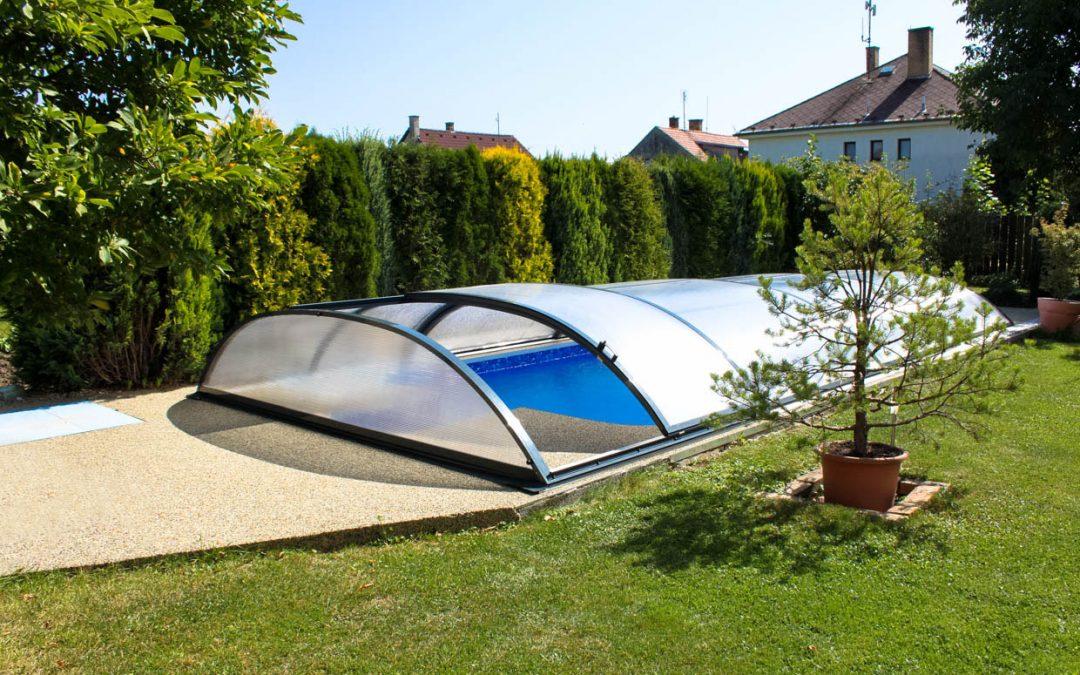 Co říkají někteří výrobci bazénových zastřešení